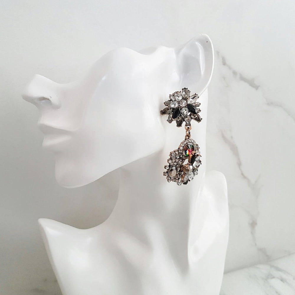 jewel black and gold earring for special occasions