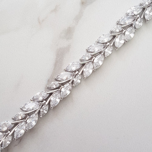 ladies silver crystal choker necklace