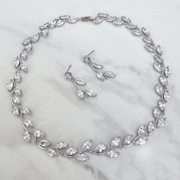 LAYLA Crystal Necklace (Silver/Gold)