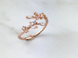 PERA Rose Gold Crystal Petal Ring