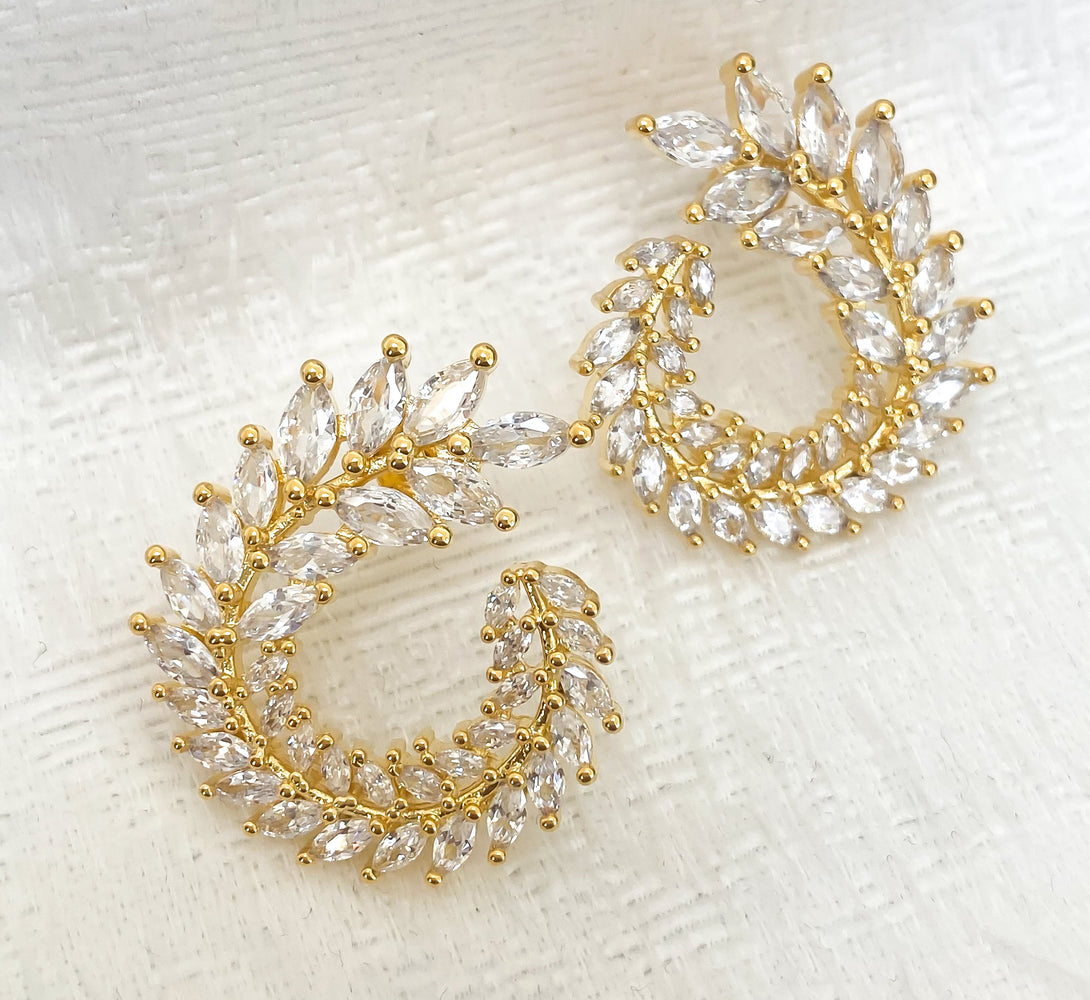 18k Gold Earrings for Her with cubic zircona crystals