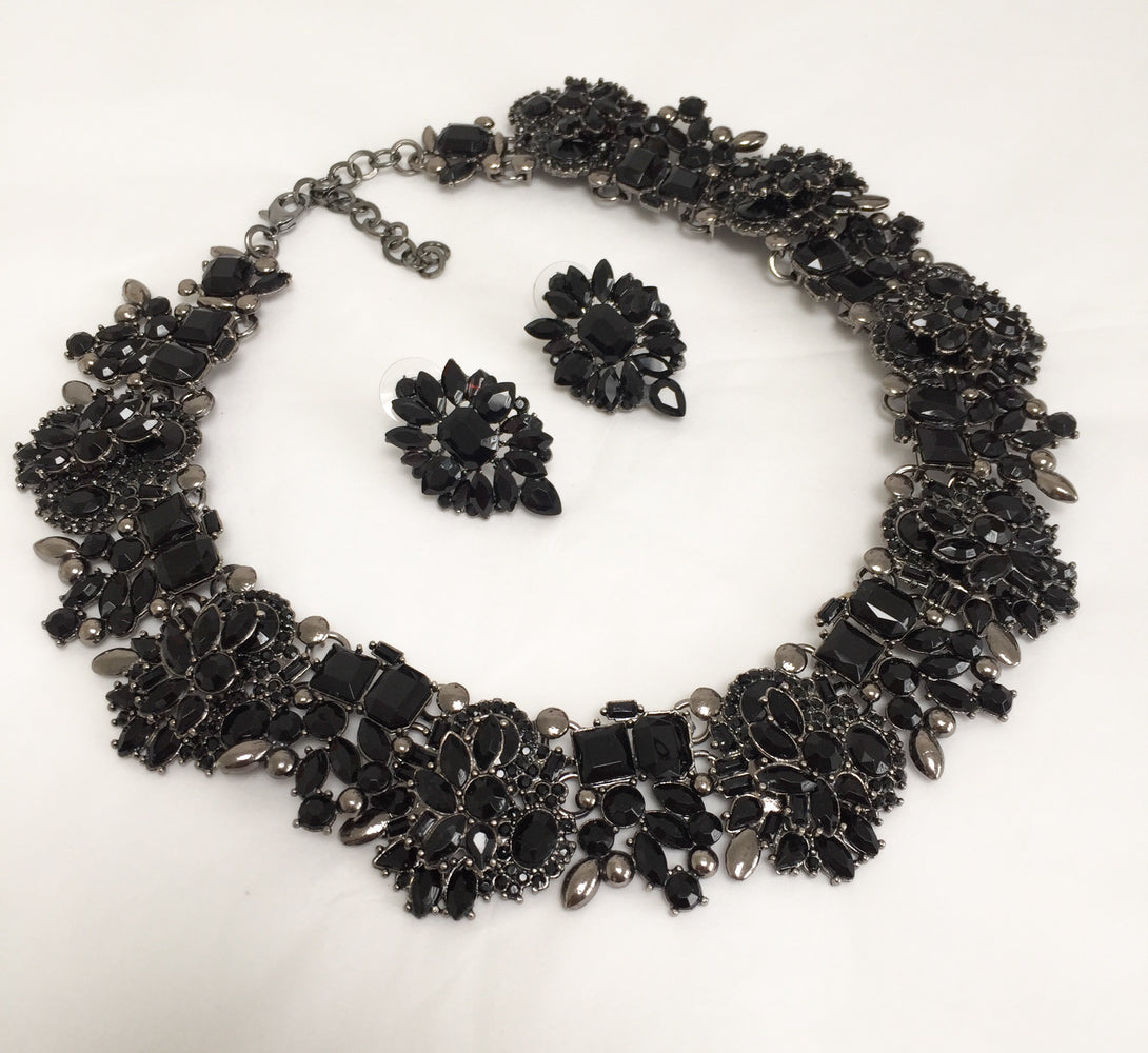 ladies black necklace and earring jewellery set, fancy jewellery for special occasions