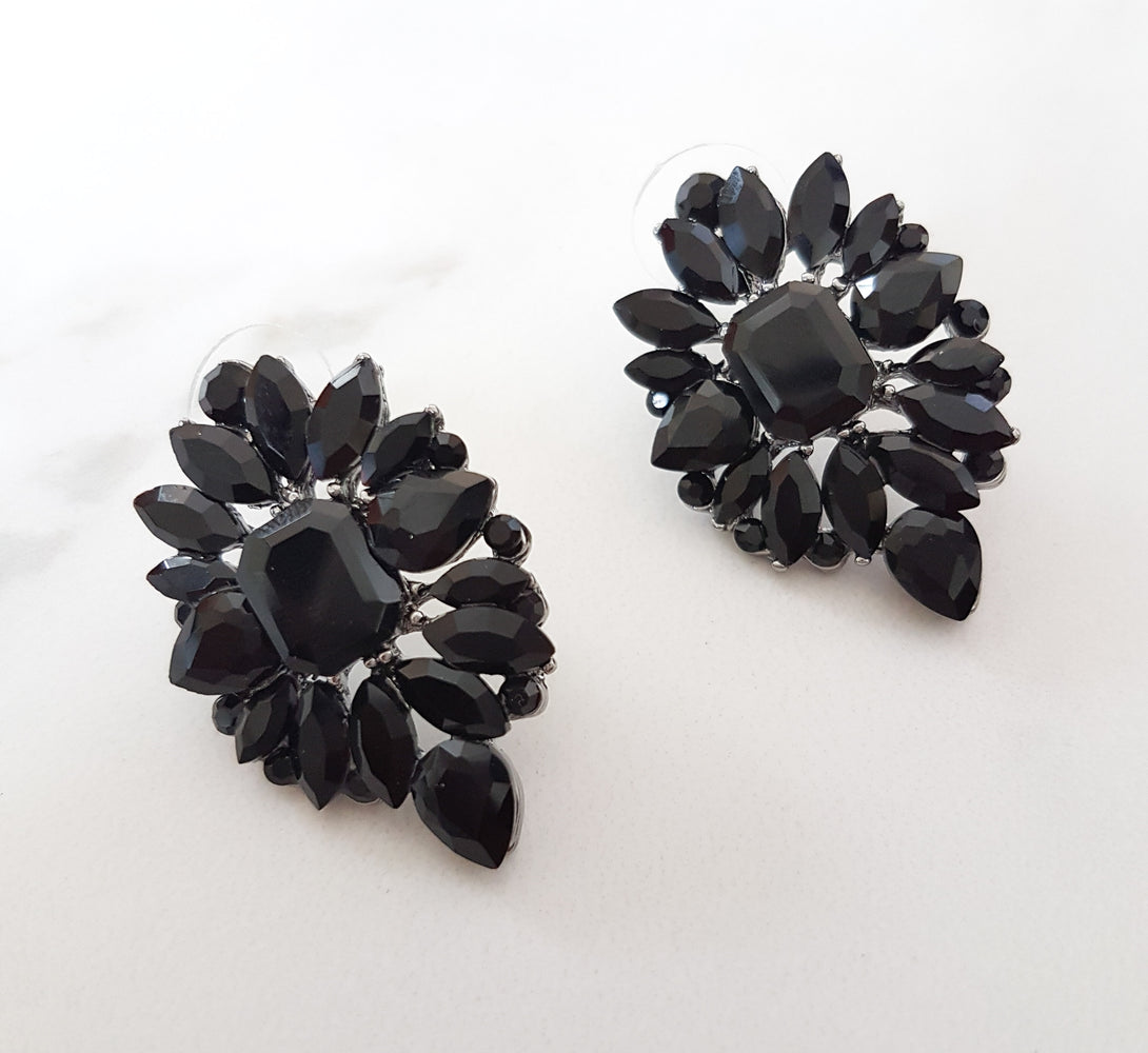 women's black earrings