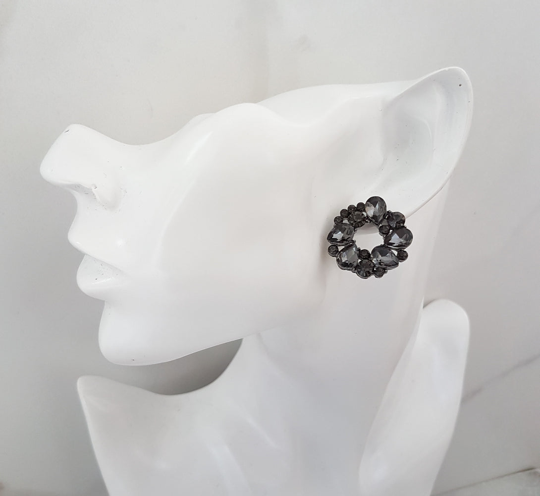 black round rhinestone stud earrings