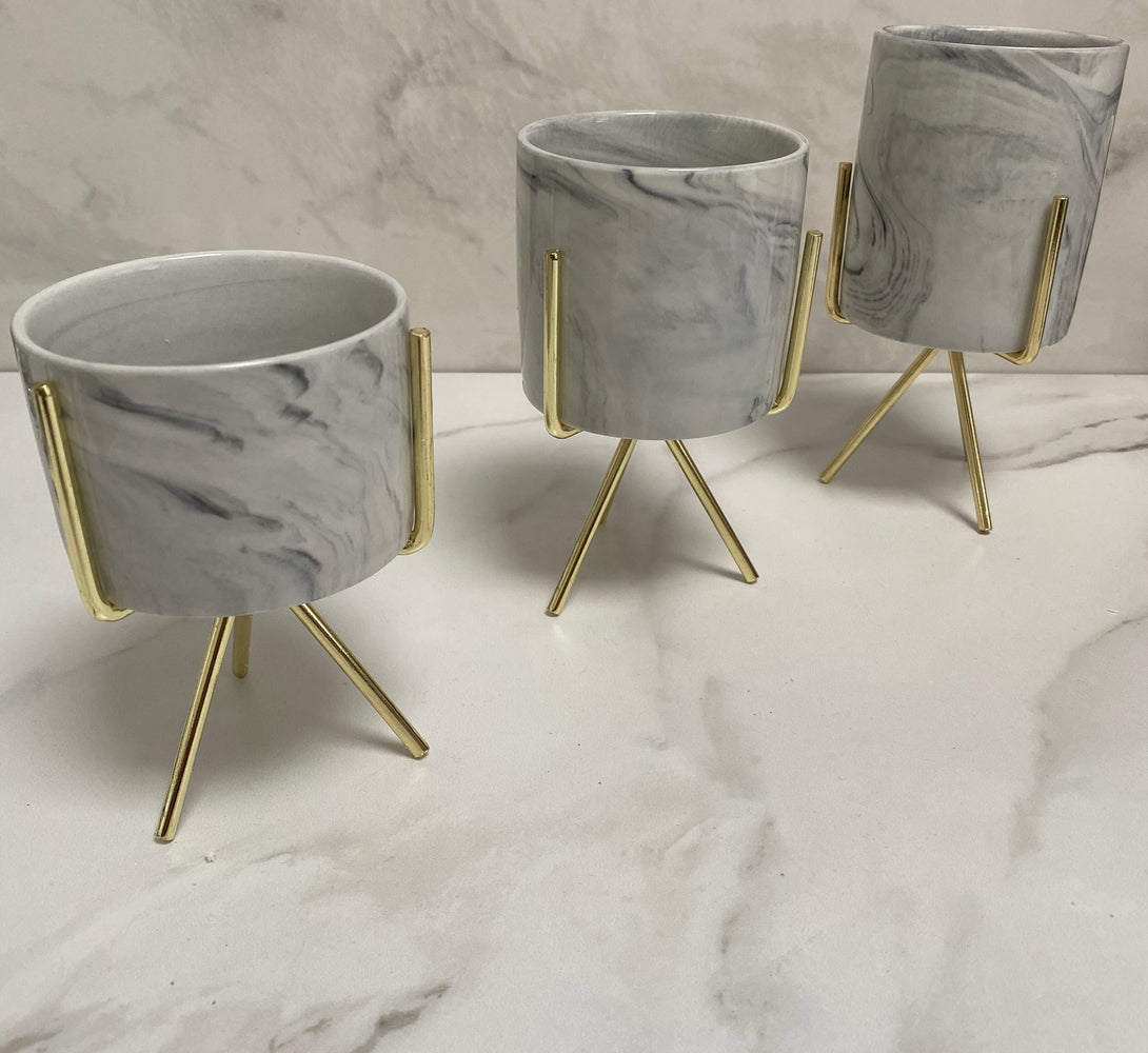 small planters for desk and dressing table in gold
