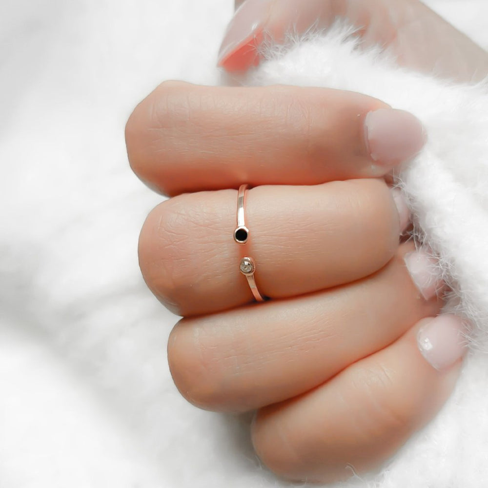 Rose gold minimal ring for women