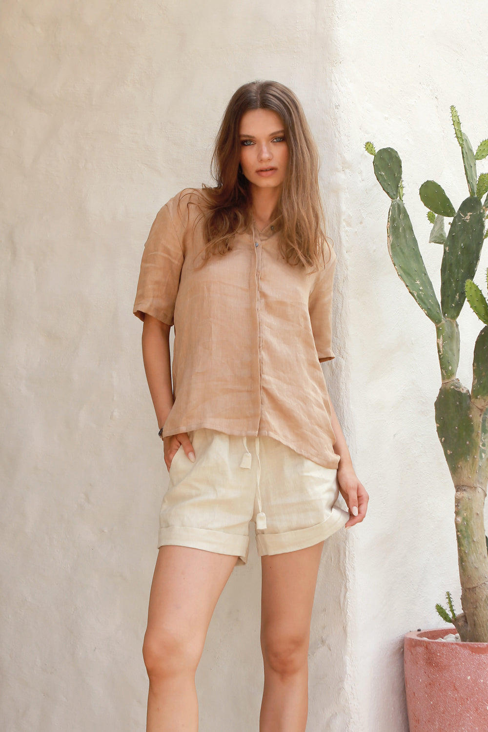 La Confection - Aldridge - Linen Short Sleeve Button Top In Cappuccino