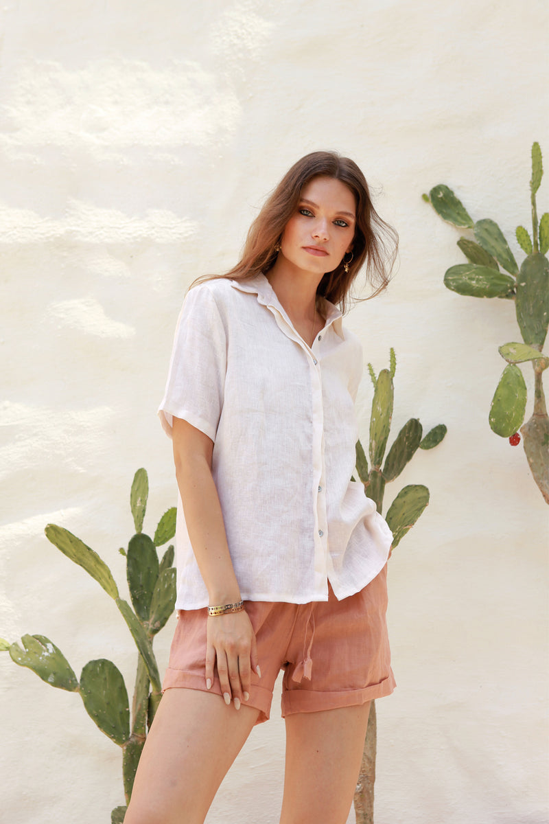 La Confection - Aldridge - Linen Short Sleeve Button Top In Marshmellow