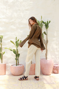 La Confection - The Cruise - Long Sleeve Button Up Shirt in Khaki