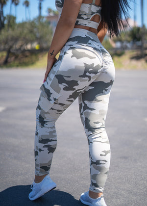 SCRUNCH CAMO PRINT HIGHWAISTED LEGGINGS