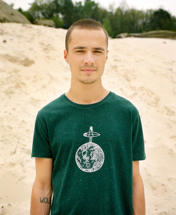 "T-shirt ""Surfing (on) the moon"""
