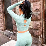 Camo Seamless Yoga Set Women Fitness Clothing Sportswear Long Sleeve Crop Tops+High Waist Scrunch Leggings 2Pcs Gym Sports Suits
