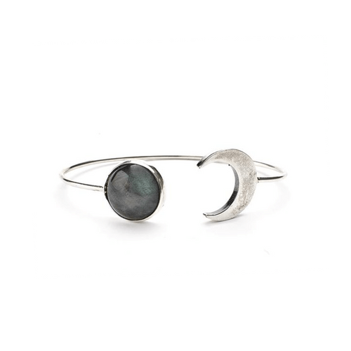 Made of Sterling Silver and beautiful Labradorite stone.