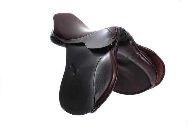 Berney Jump Flat Seat Saddle - RedMillsStore.ie