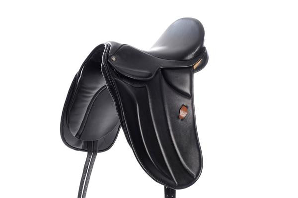 Berney Grand Prix Dressage Saddle with Knee Rolls - RedMillsStore.ie