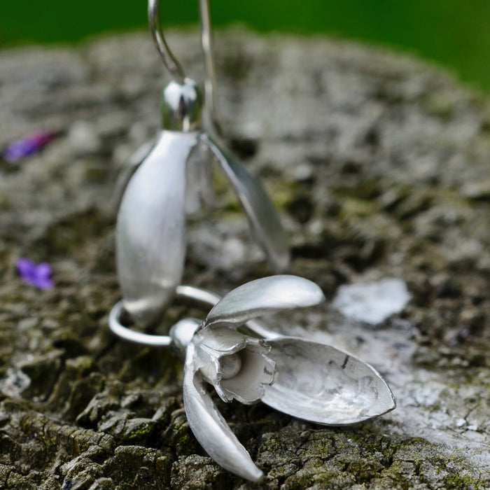 Friederike Grace Snowdrop silver earrings - RedMillsStore.ie