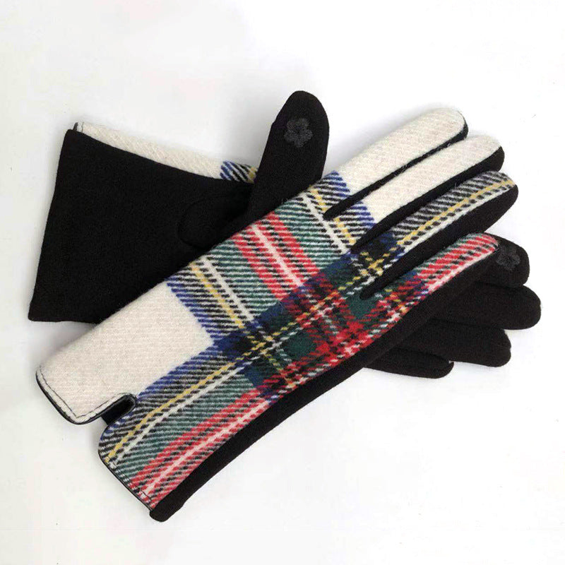 Womens cosy check gloves in white - RedMillsStore.ie