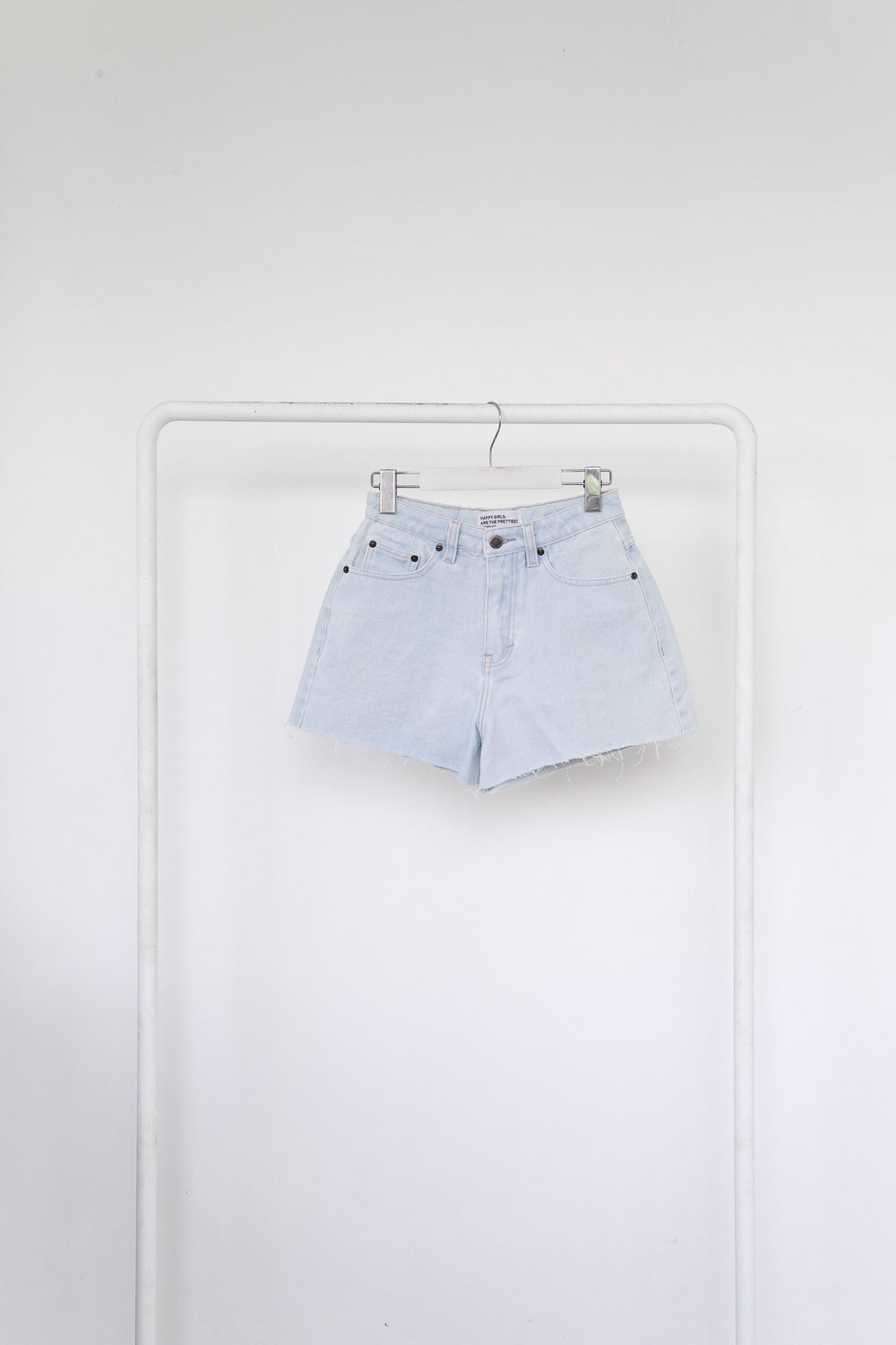 THE CLASSIC SHORTS | EXTRA LIGHT BLUE
