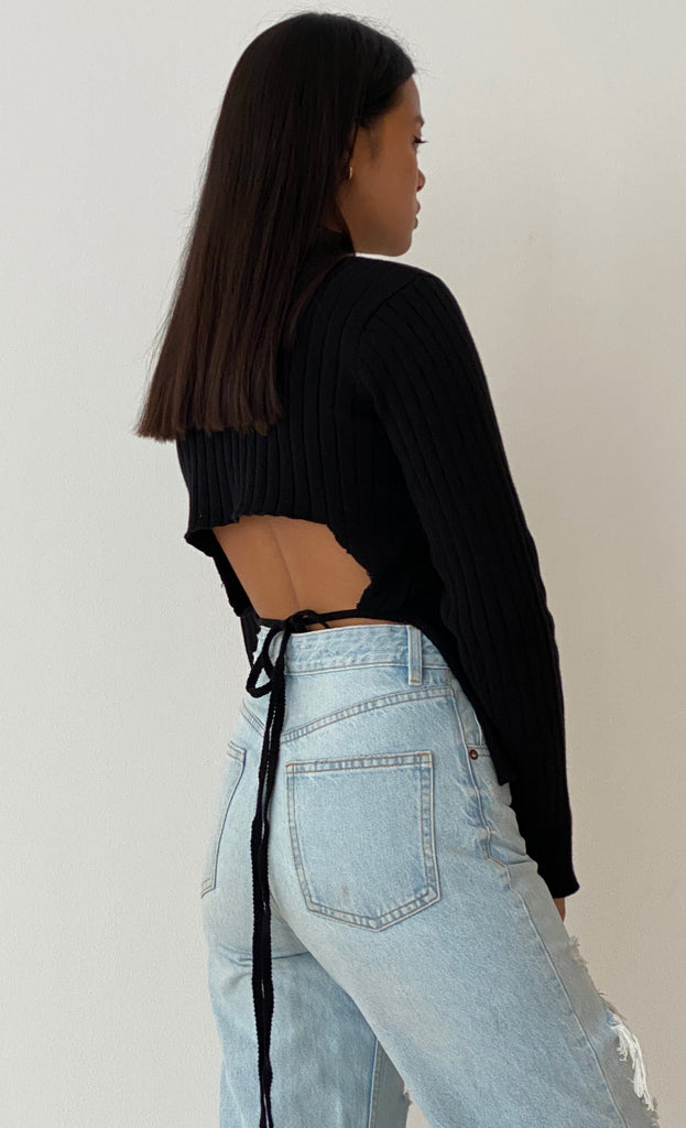THE OPEN BACK KNIT BLACK
