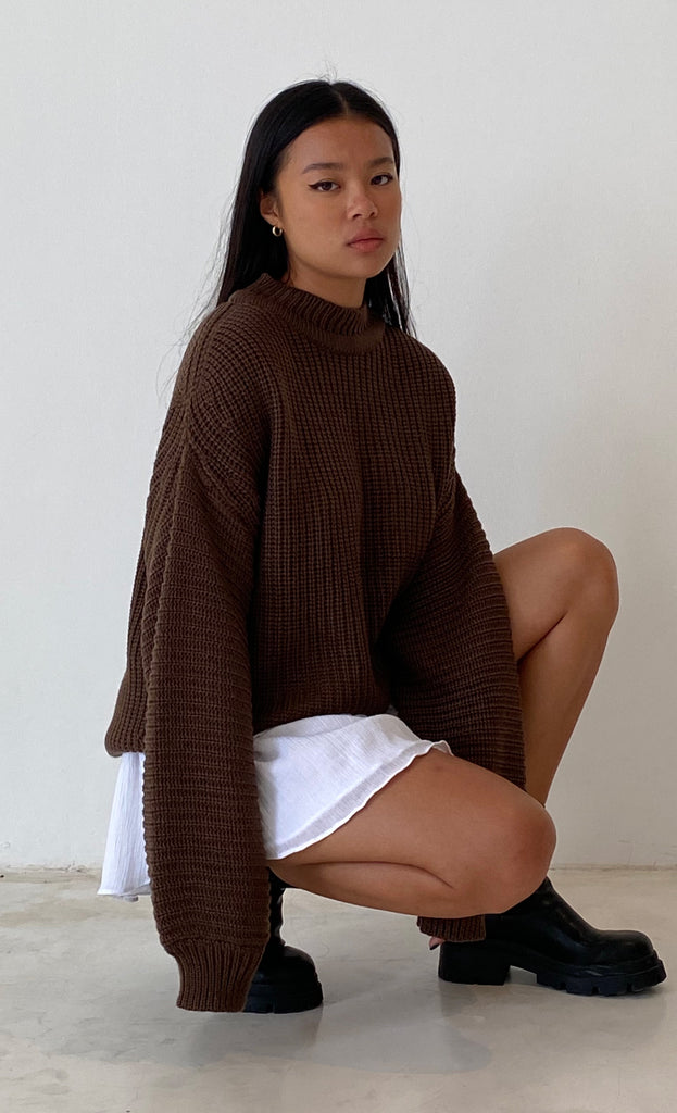 THE CHUNKY KNIT BROWN