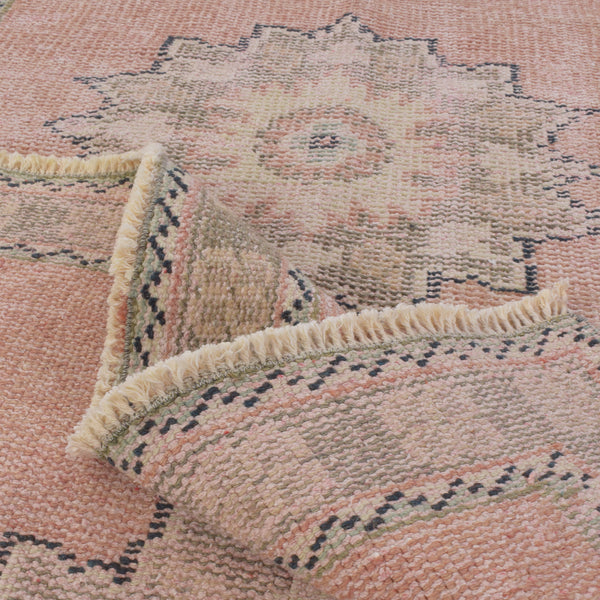 yonder-living-Anatolia-vintage-rug-turkey-turkish-stars-floral-pink-red-brown-kilim