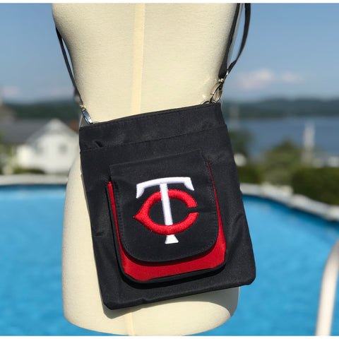 Minnesota Twins Traveler / Crossbody - Charm14