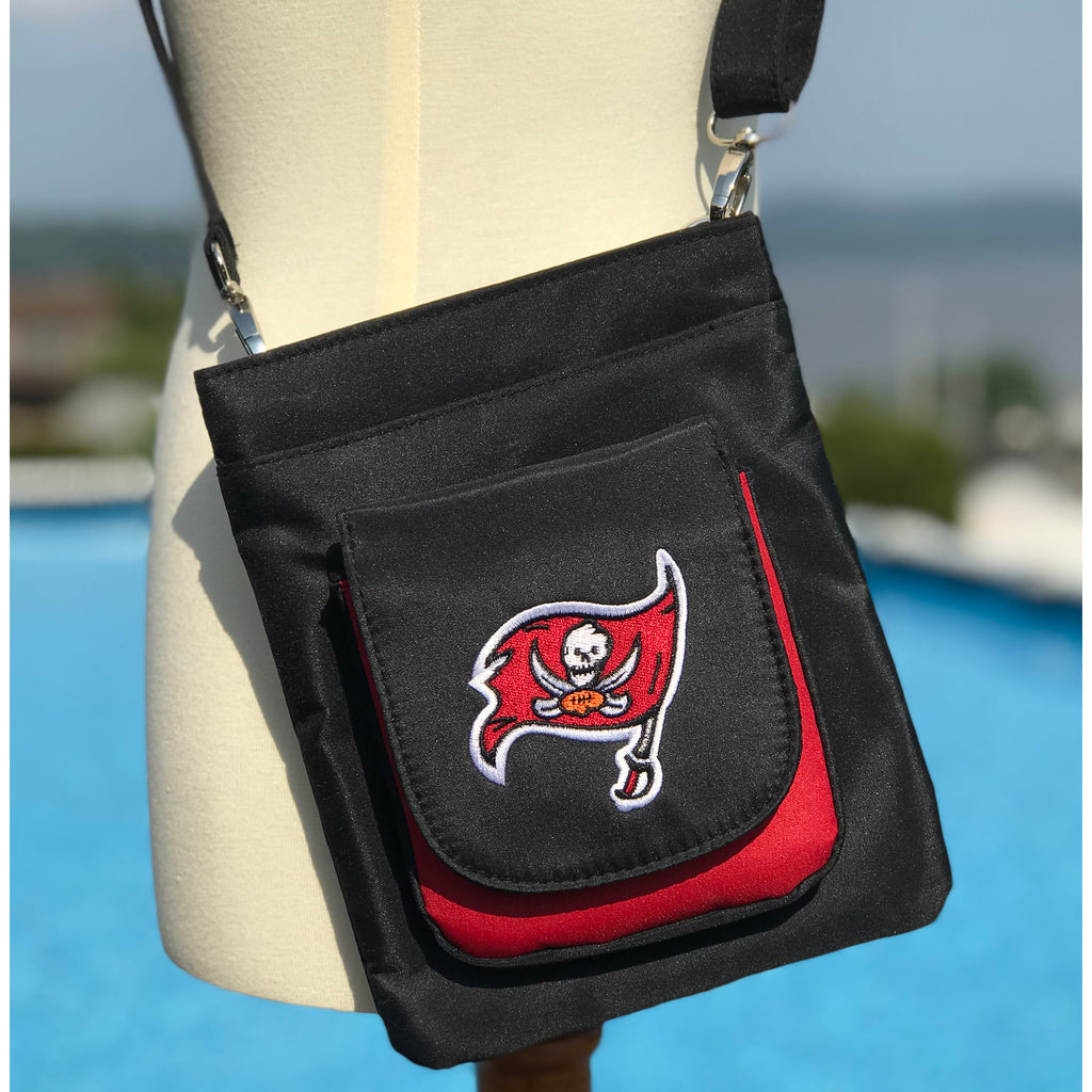 Tampa Bay Buccaneers Traveler / Crossbody - Charm14