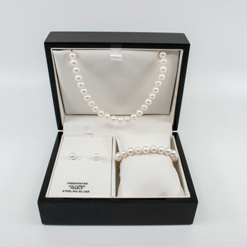 Three Piece Pearl Gift Set