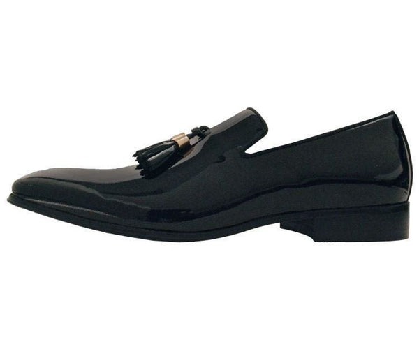 Ag8451-000 Black Patent Leather Slilp-On Loafers With Gold Tipped Tassels Loafers