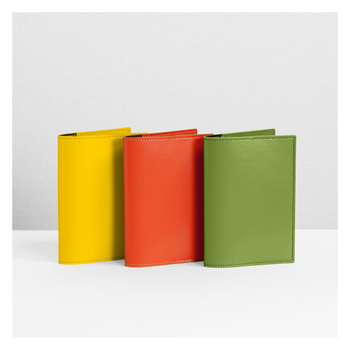 Pinetti Siviglia Passport Cover - Yellow
