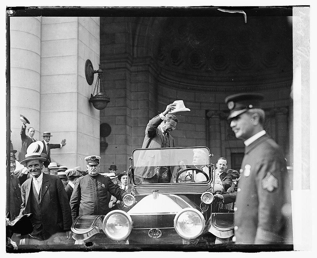 16 x 20 Gallery Wrapped Frame Art Canvas Print of Roosevelt at Union Station 1919 National Photo Co  89a