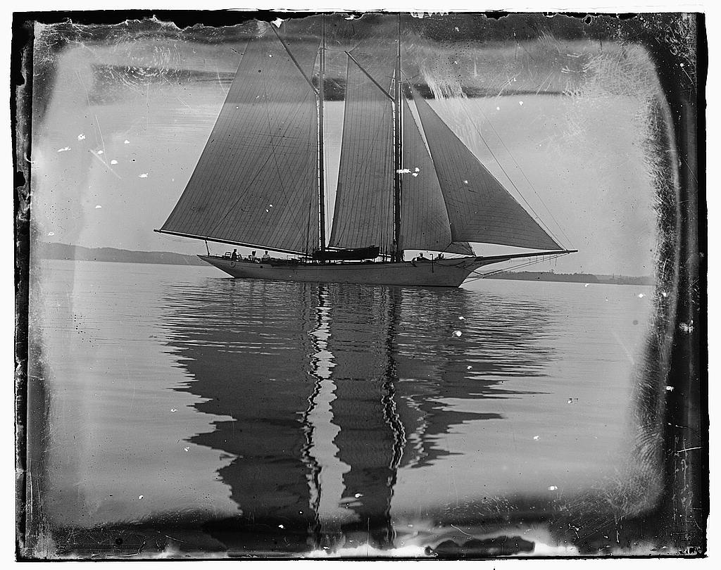 8 x 10 Reprinted Old Photo of [Sailboat] 1919 National Photo Co  62a