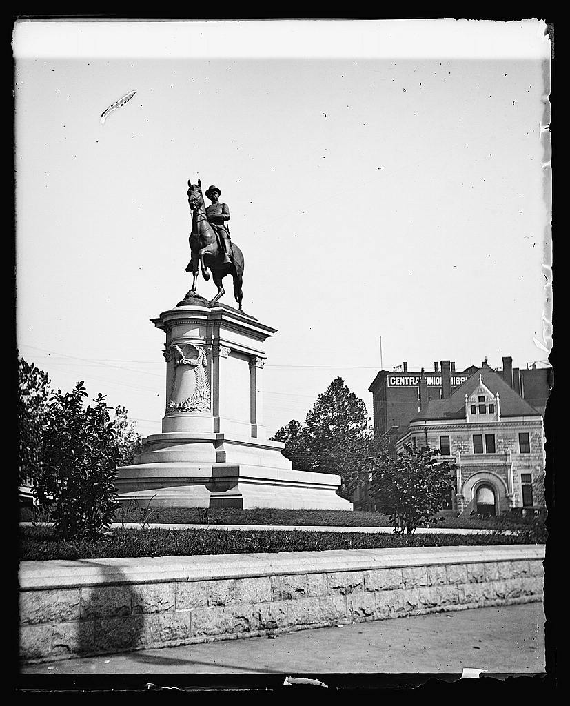16 x 20 Reprinted Old Photo ofHancock Statue 1919 National Photo Co  18a
