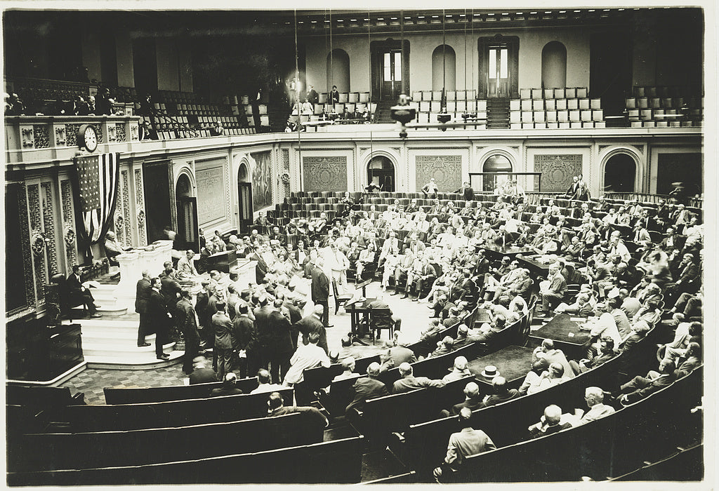 16 x 20 Reprinted Old Photo ofEx-senator Cornelius Cole of Cal. addressing the House of Representatives today 1922 National Photo Co  03a