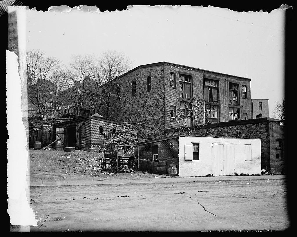 16 x 20 Gallery Wrapped Frame Art Canvas Print of Old Ware House, water .., SW, Washington, D.C. 1919 National Photo Co  83a