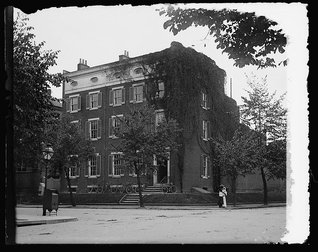 16 x 20 Reprinted Old Photo ofEverett House 1919 National Photo Co  84a