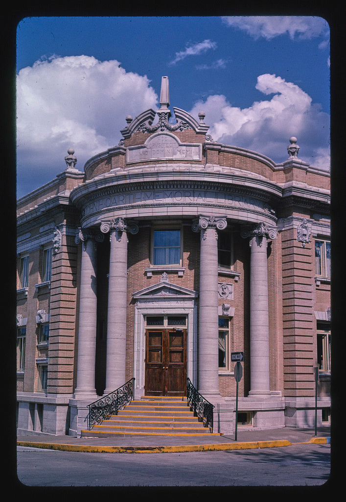 8 x 12 Photo of John A. Carthye Memorial Library, corner entrance detail, Fifth & Church Streets, Hannibal, Missouri 2003 Margolies, John 69a