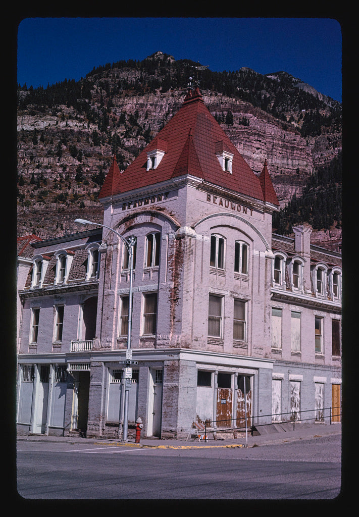 8 x 12 Photo of Beaumont Hotel, Main Street, Ouray, Colorado 1991 Margolies, John 89a