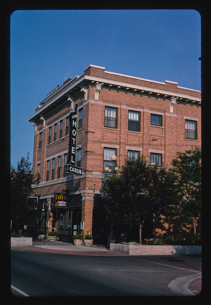 8 x 12 Photo of Carlin Hotel, angle 1, Montana Avenue & 25th Street, Billings, Montana 2004 Margolies, John 61a