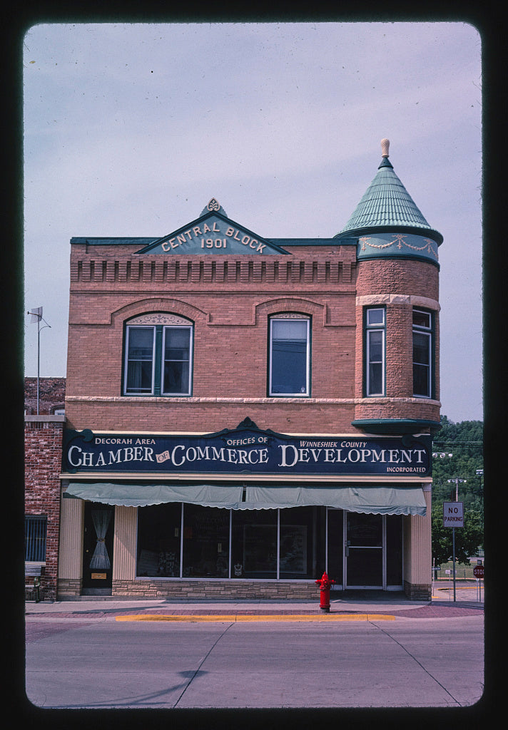 8 x 12 Photo of Central Block (Chamber of Commerce) (1901), Water Street, Decorah, Iowa 2003 Margolies, John 05a