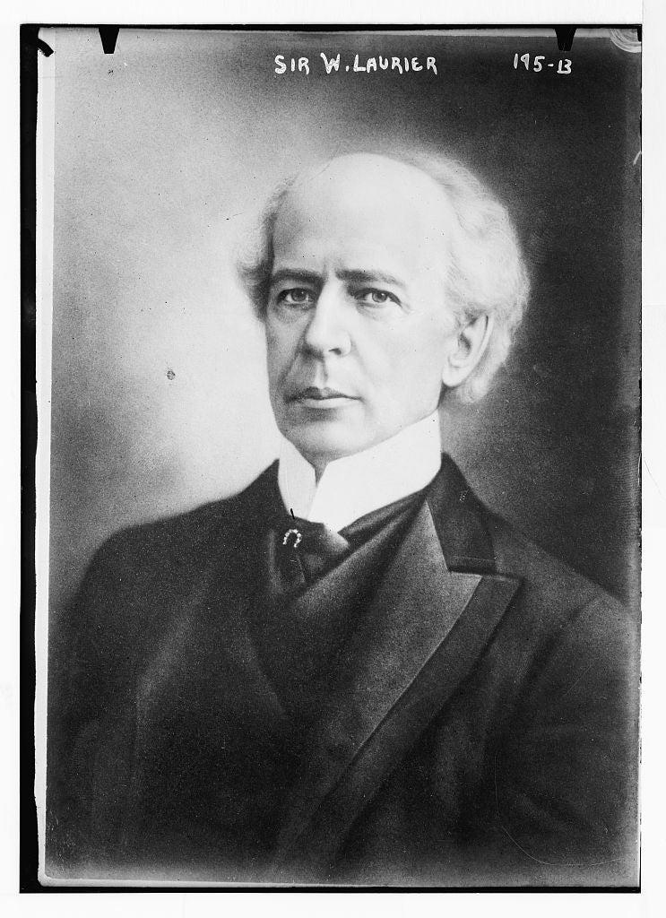 8 x 10 Photo of Sir W. Laurier, portrait bust 1890-1920 G. Bain Collection 40a