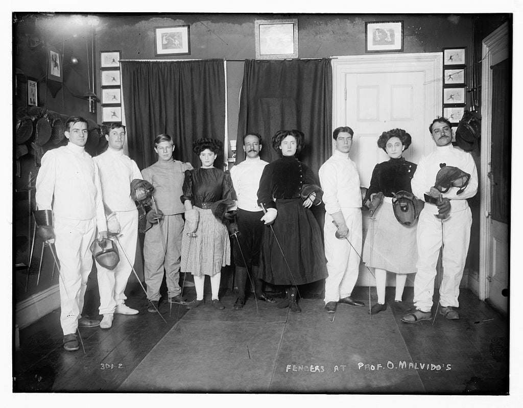 8 x 10 Photo of Fencers at Prof. O. Malvido's 1890-1920 G. Bain Collection 26a