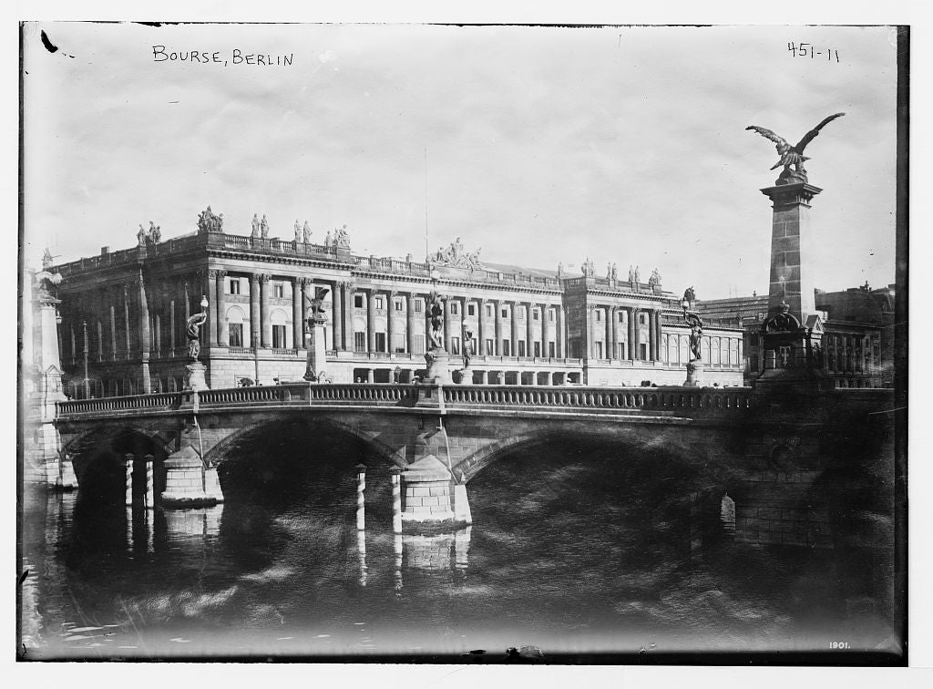 8 x 10 Photo of Bourse, seen from exterior, Berlin 1890-1920 G. Bain Collection 68a