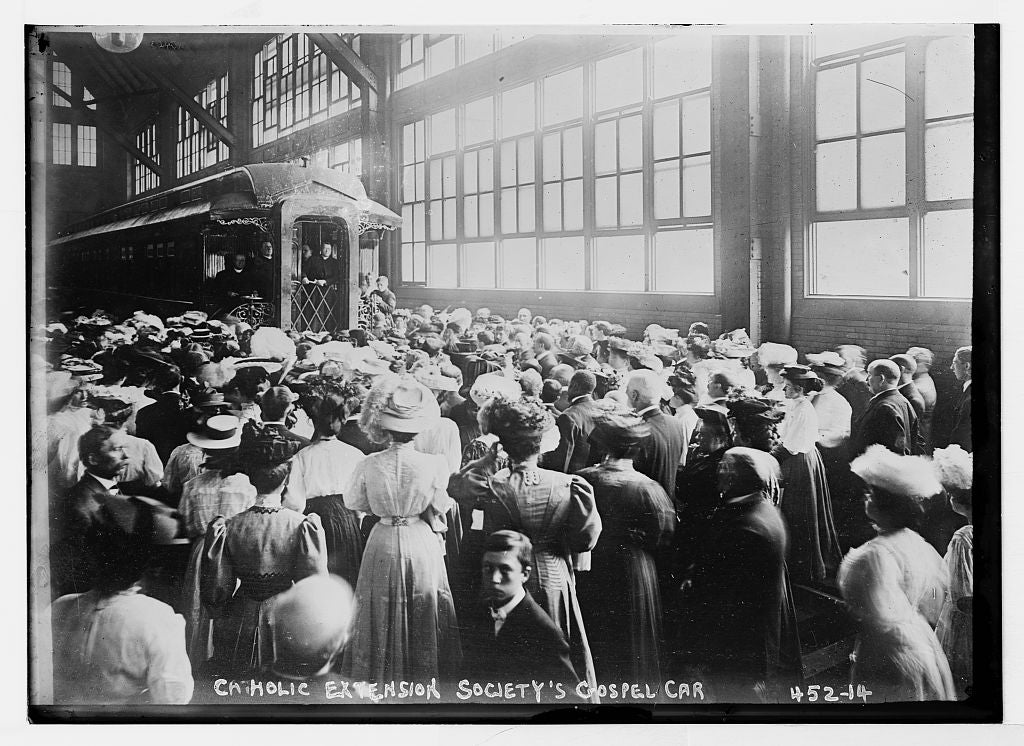 8 x 10 Photo of Crowd in train shed for gospel car of Catholic Extension Society 1890-1920 G. Bain Collection 70a