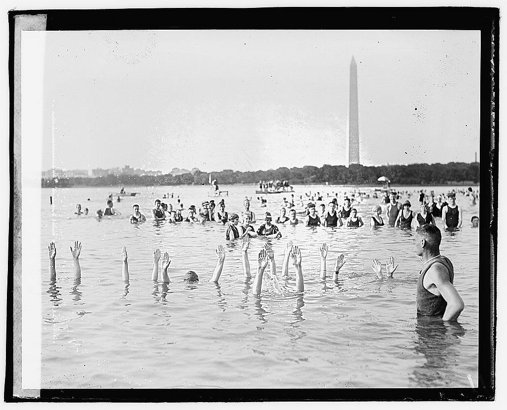 8 x 10 Reprinted Old Photo of [George H. Corson teaching swim class at the Tidal Basin, Washington, D.C.] 1920 National Photo Co  24a