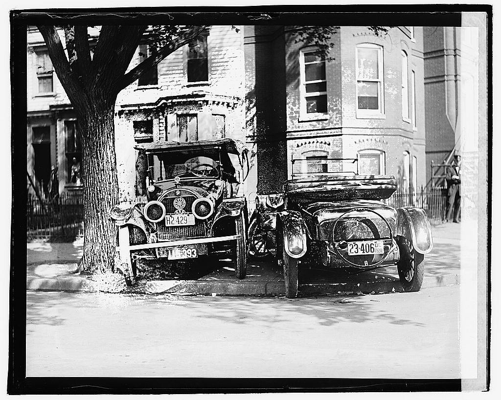 16 x 20 Reprinted Old Photo ofAuto wreck 1920 National Photo Co  91a
