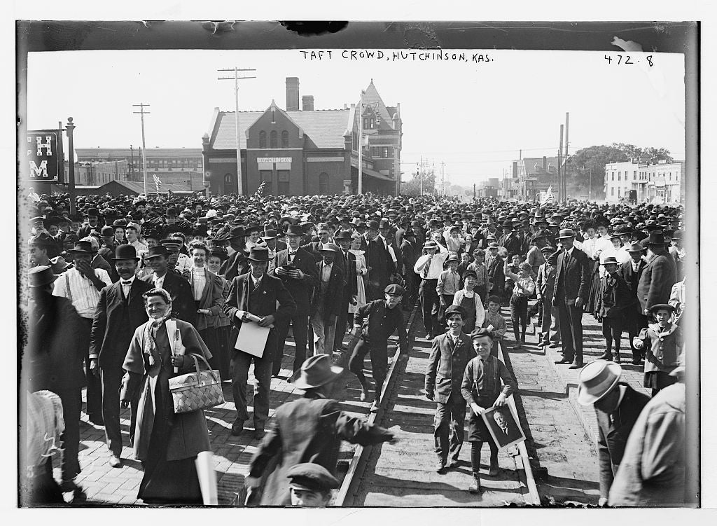 8 x 10 Photo of Crowd for Taft, Hutchinson, Kansas 1890-1920 G. Bain Collection 17a