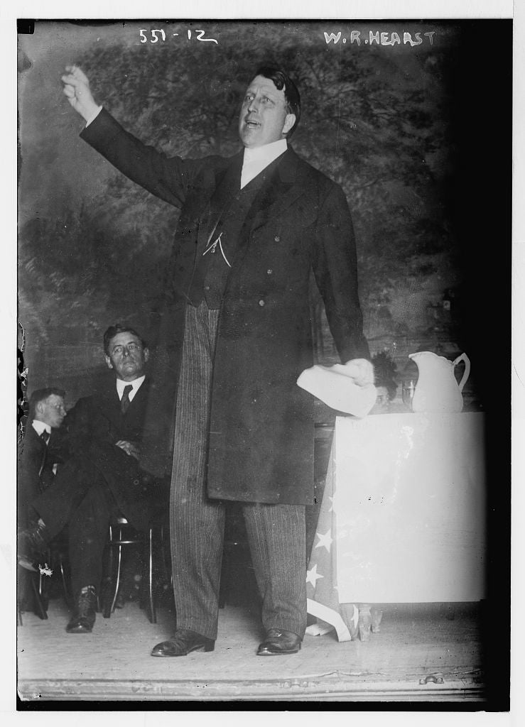 8 x 10 Photo of W.R. Hearst, speaking for the Independence Party 1890-1920 G. Bain Collection 01a