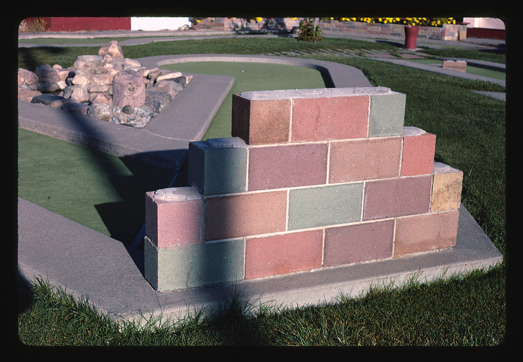 8 x 12 Photo of Cinder-block corner, Benny's mini golf, Great Falls, Montana 1987 Margolies, John 58a