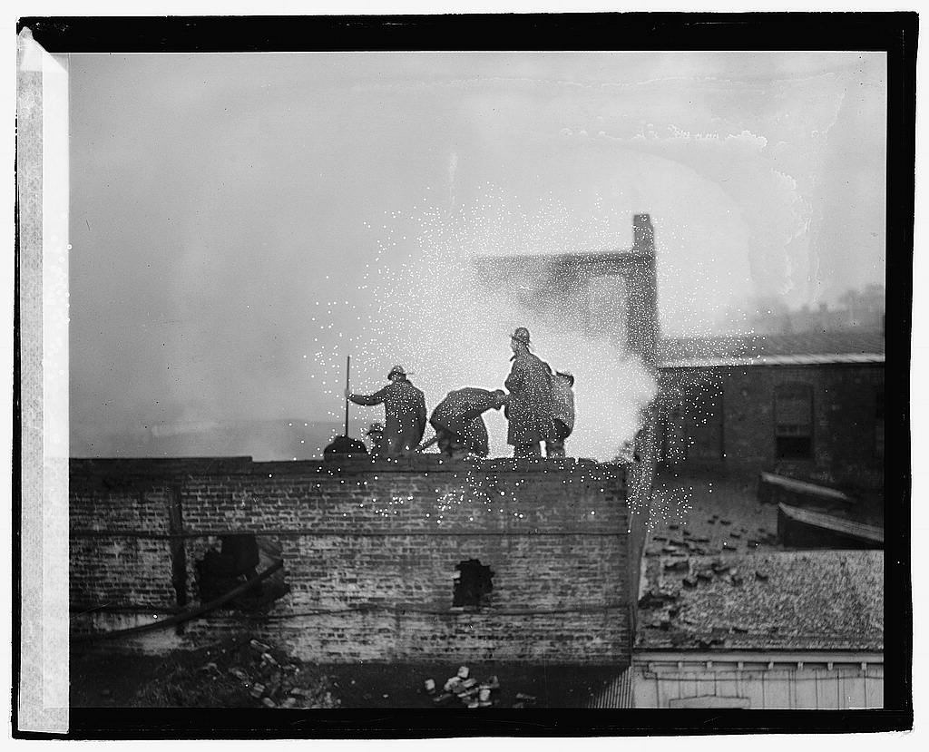 16 x 20 Reprinted Old Photo ofNixon Brewer fire, 7th and B, Washington, D.C. 1920 National Photo Co  77a